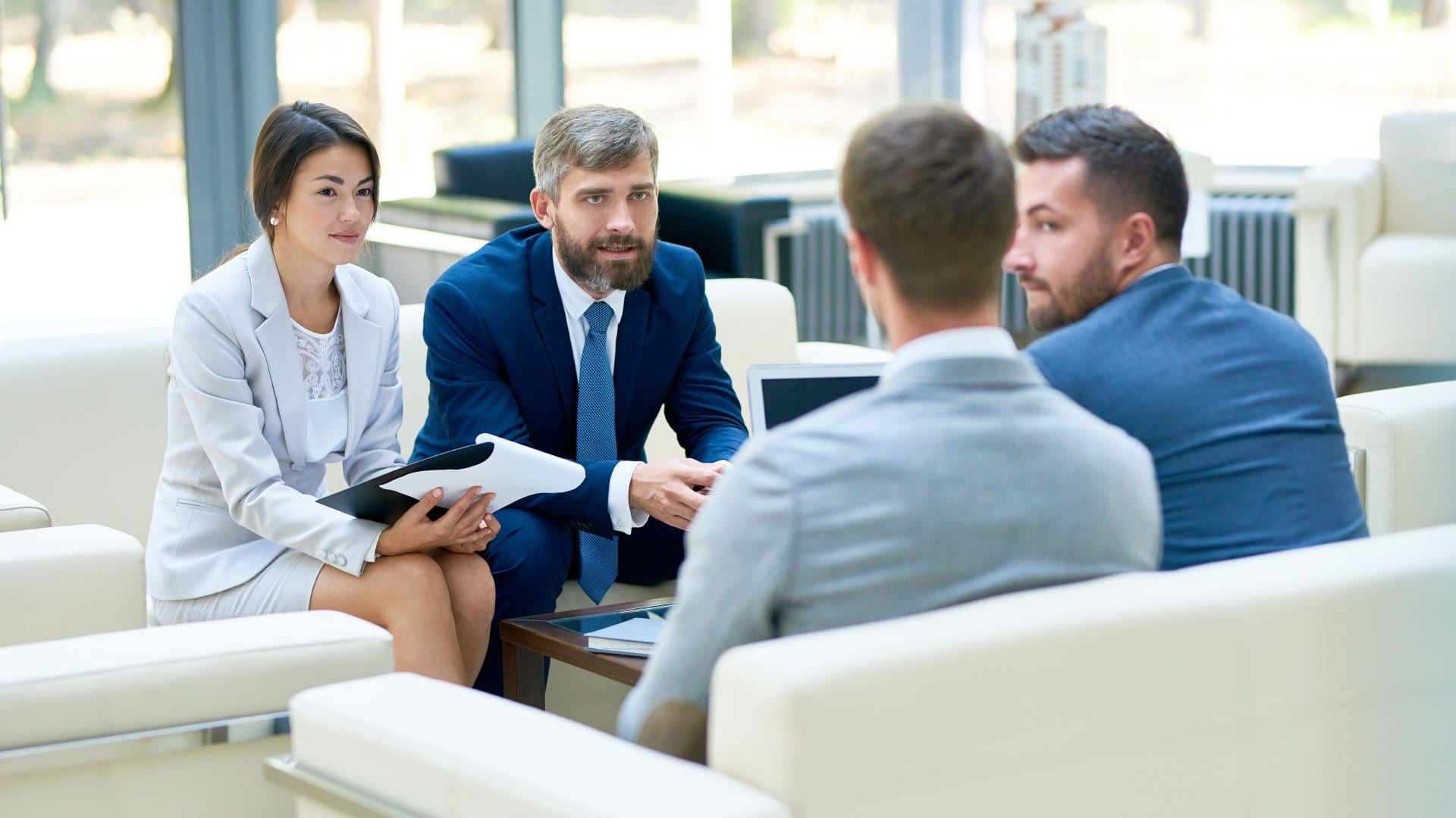 Contract Negotiation: 7 Valuable Tips for Businesses